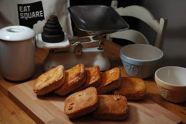 Eat square make pies